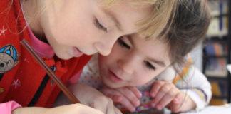 Nauka najmłodszych poprzez zabawę